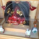 近藤仏壇店 お店入口の獅子頭 2015年3月2日訪問